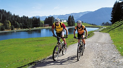 Bike tour to the Filzalm lake at Hochbrixen