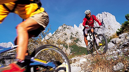 Challenging tour within the Wilder Kaiser mountain range